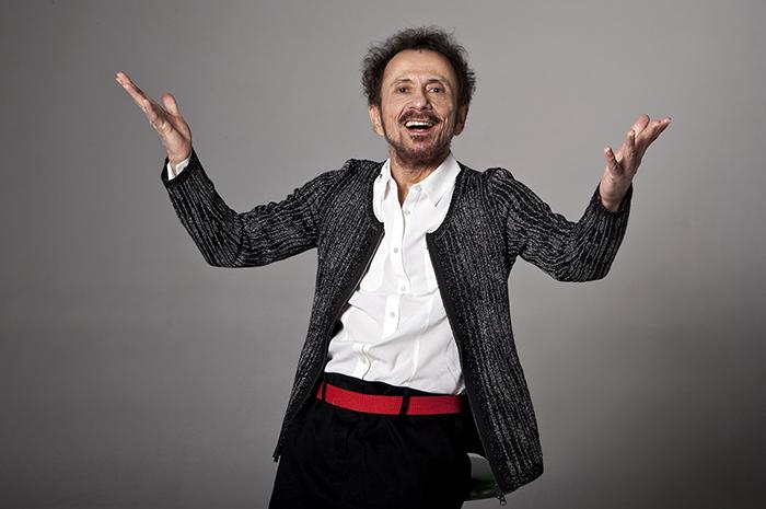 Tom Zé se apresenta no domingo, às 19h30, no Parque de Coqueiros