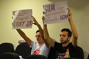 Movimento LGBT pressionando vereadores a votar a favor da audiência pública