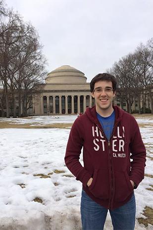 Pedro Pastorelli em visita ao MIT nos EUA