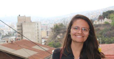 """""""Ir para a Educação foi uma escolha política"""": a história de Jéssica Lins de Souza, a doutoranda que foi a primeira mulher da família a completar o ensino básico"""